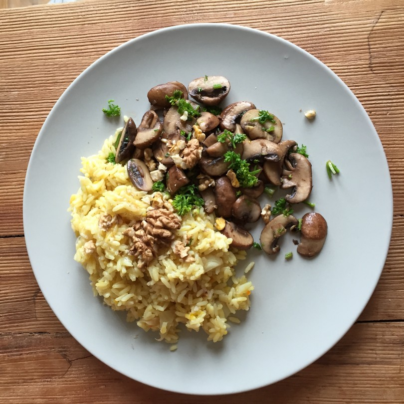 Fenchel-Safran-Risotto mit gebratenen Pilzen